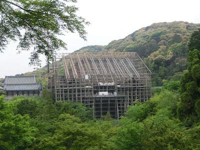 清水寺本堂工事の足場