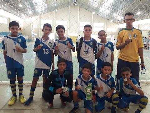 Escolinha de futebol que atende crianças carentes em Umarizal conquista primeiro título em campeonato disputado em Almino Afonso