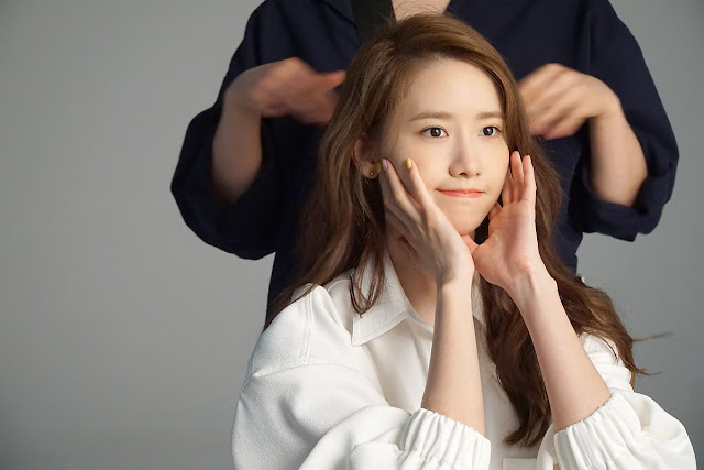 SNSD YoonA Big Issue Behind Pictures