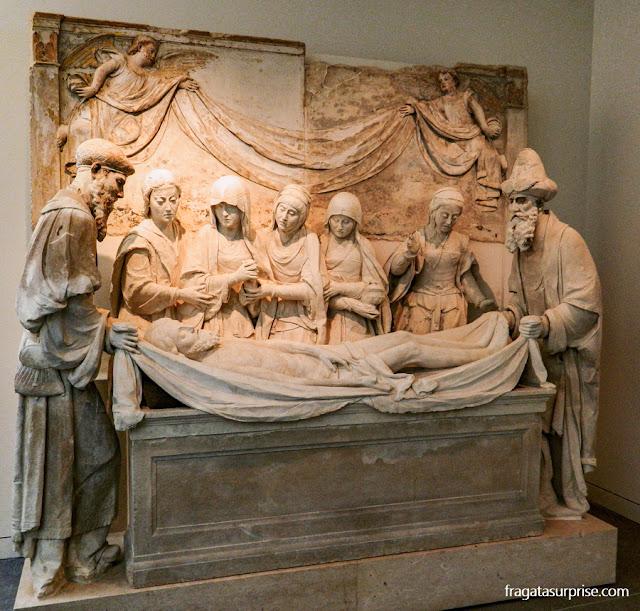 """""""A Deposição de Cristo no Túmulo"""", obra prima do escultor João de Ruão, no Museu Nacional Machado de Castro em Coimbra"""