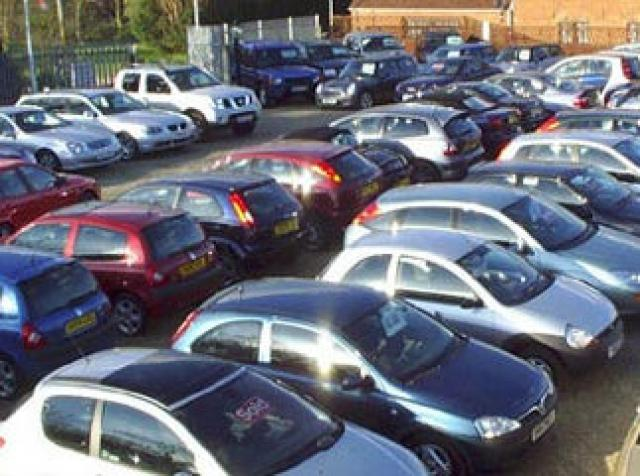 Συνελήφθησαν 6 άτομα σε Αργολίδα και Κορινθία - Πωλούσαν ανύπαρκτα οχήματα μέσω αγγελιών στο διαδίκτυο