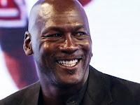 Michael Jordan Cai em lágrimas em discurso no memórial de Kobe Bryant | Bento Pro