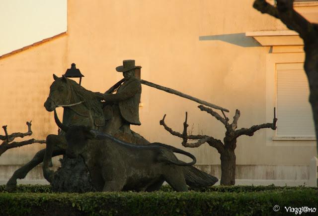 Una delle statue della tradizione della Camargue