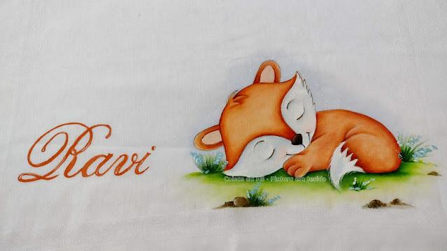 pintura em fralda raposinha dormindo