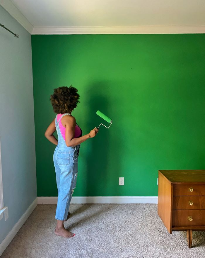 An Accent Wall Update with HGTV Home By Sherwin Williams.