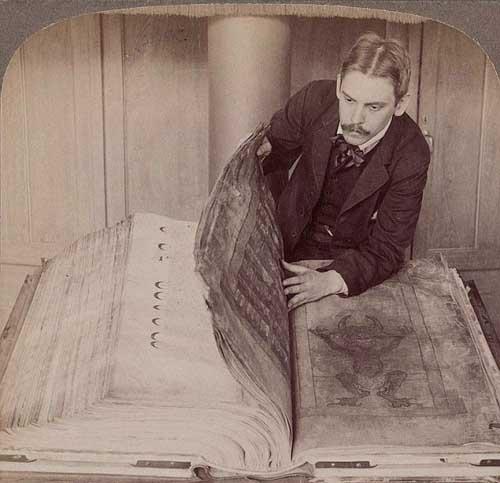 'Kinh quỷ dữ' có gì bí ẩn mà nó chứa đựng tất cả tri thức nhân loại