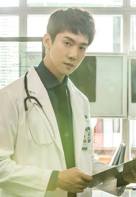 Yoo Yeon Seok menjadi Kang Dong Joo