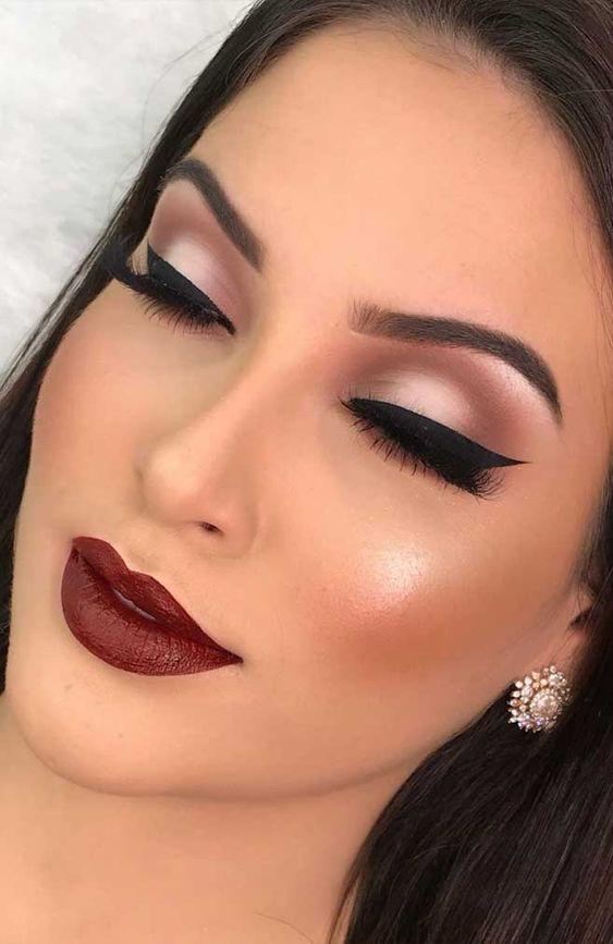dramatic eyes, bold lipstick