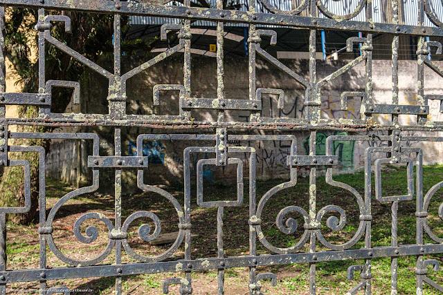 Bosque Dr. Martin Lutero - detalhe portão de entrada