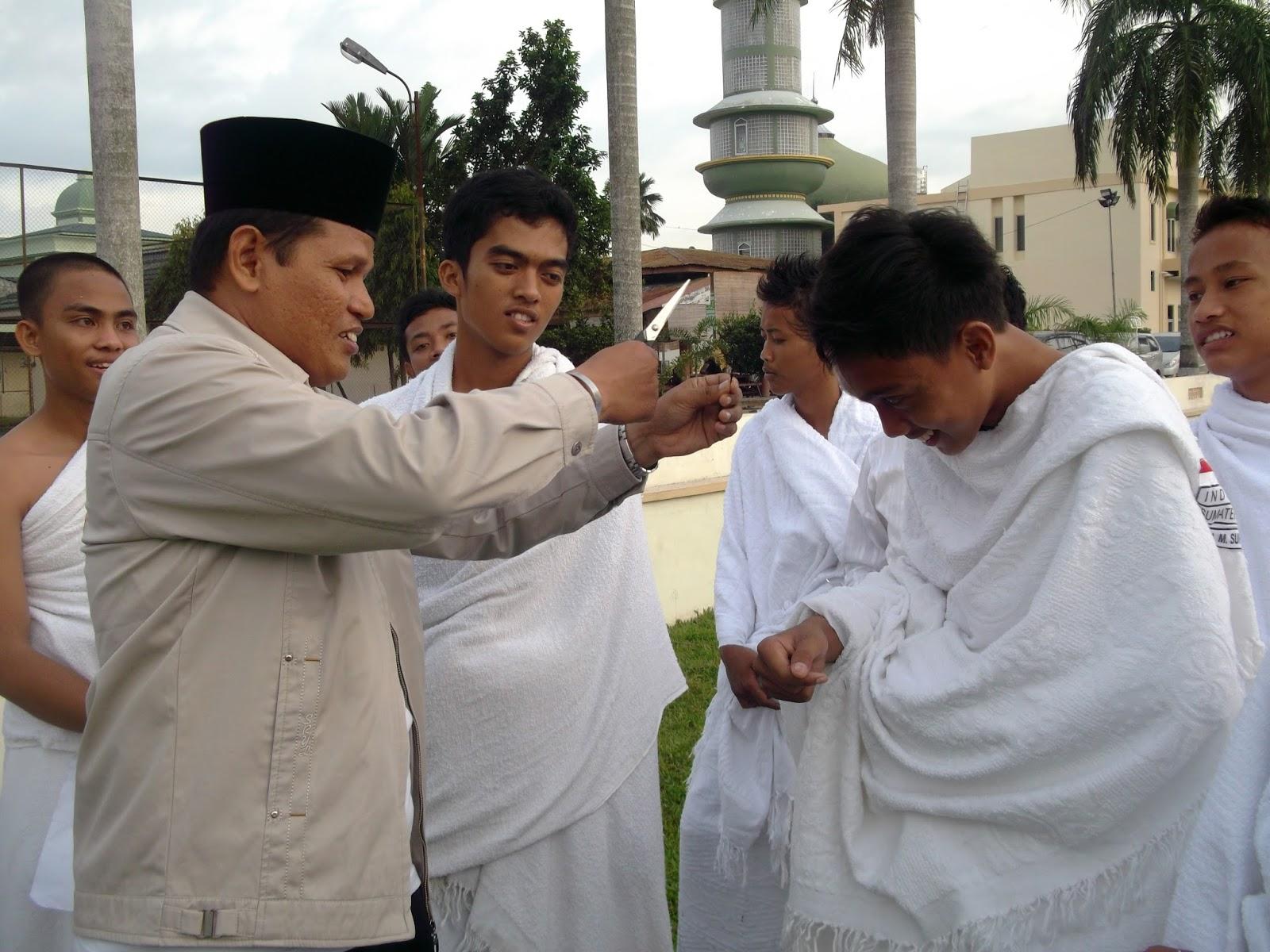"""""""ISLAM DAN ILMU"""": ETIKA MEMILIH PEMIMPIN Oleh: Edi Sucipno"""