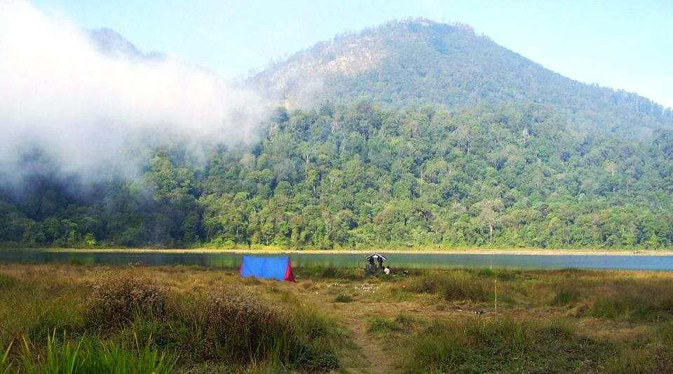 pemandangan indah dan cantik Gunung Argopuro (3.088 mdpl) - Probolinggo