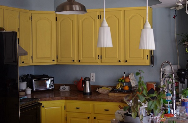 color kitchen cabinets popular