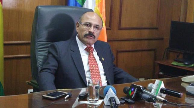 Ministro de Salud asegura que de 702 ciudadanos cubanos que trabajaban en Bolivia 205 eran médicos