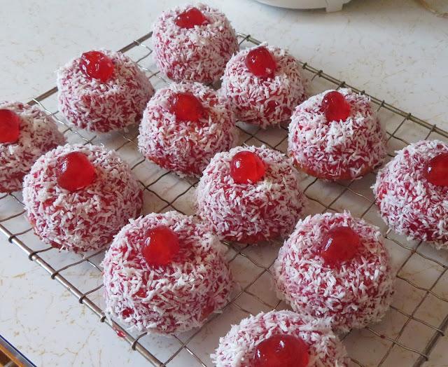 Cupcake Madeleines