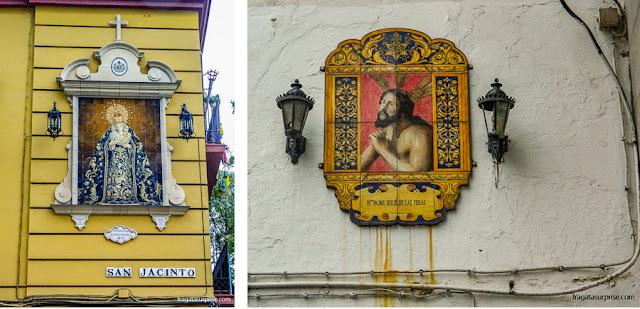 Oratórios em azulejos nas ruas de Triana, Sevilha