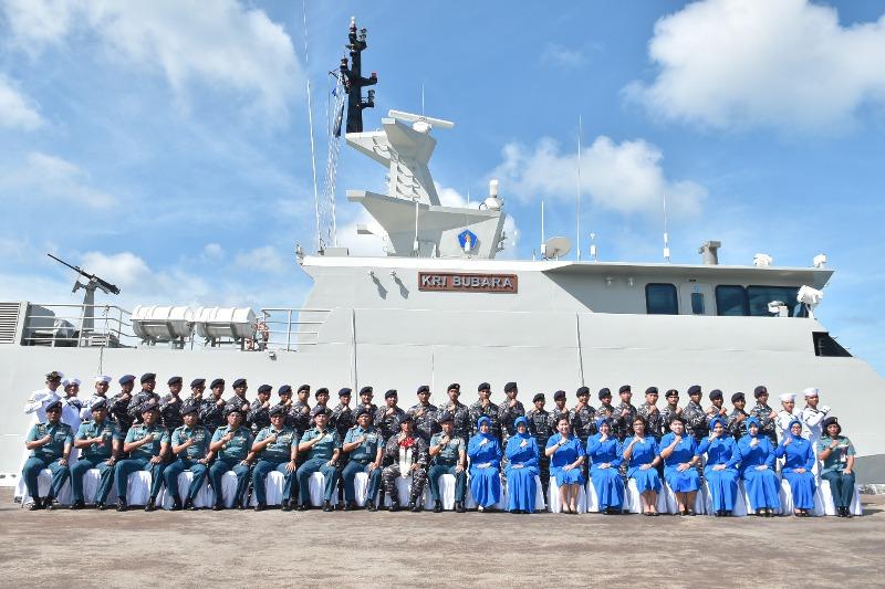 KRI Bubara 868 Disambut Kedatangannya di Dermaga TNI AL Tanjung Uban
