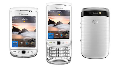 BlackBerry Torch 9810 in white