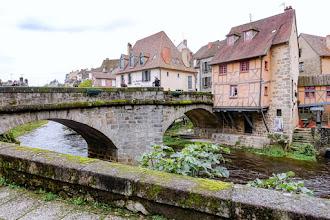 Ailleurs : Pont de la Terrade, emblématique construction de la ville d'Aubusson, charme classé aux Monuments historiques