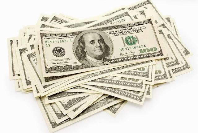 Dinheiro vivo e dólar em espécie para levar para os Estados Unidos