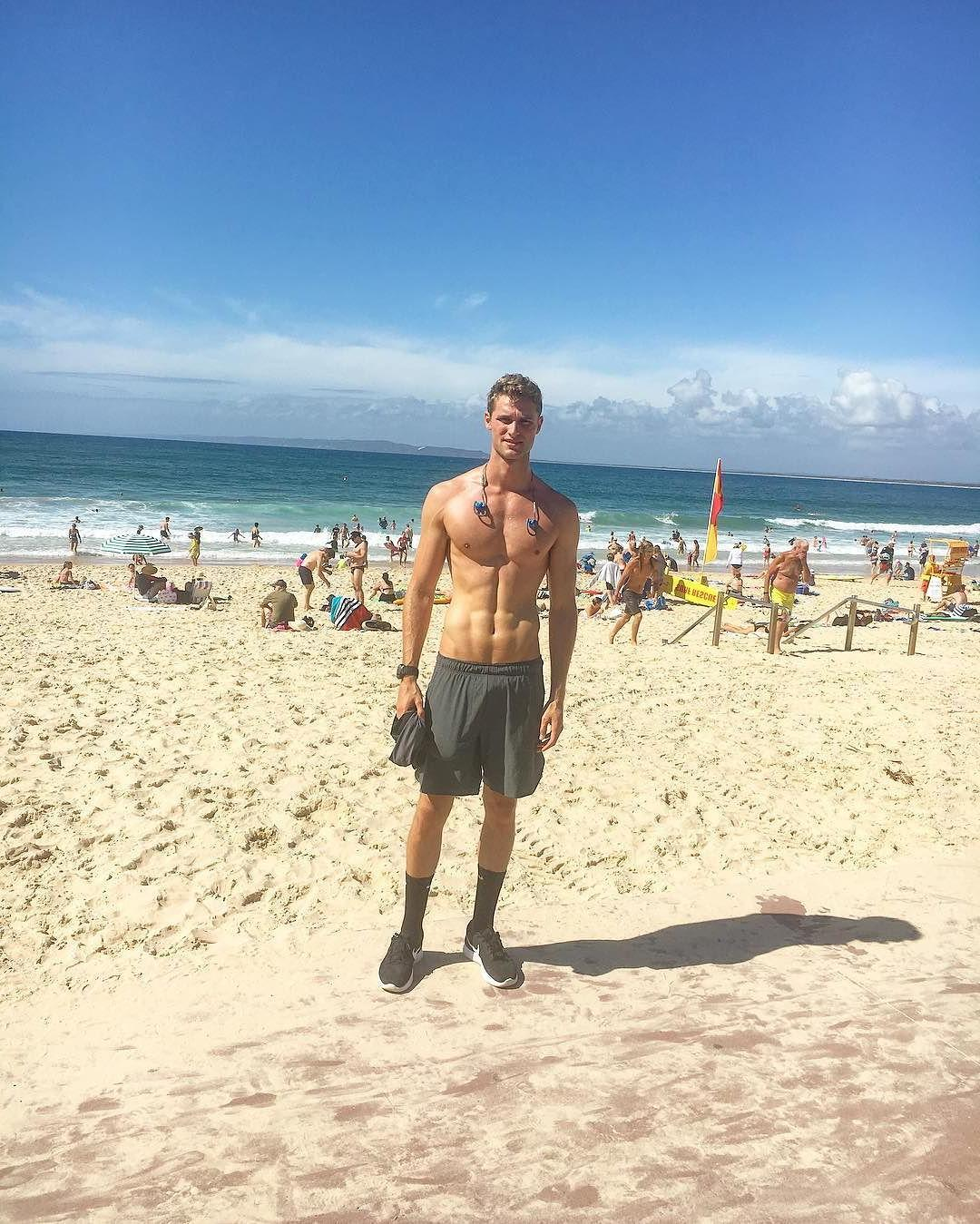 spotted-tall-shirtless-fit-beach-boy