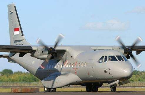 Gambar pesawat milik TNI AU Indonesia CN 235