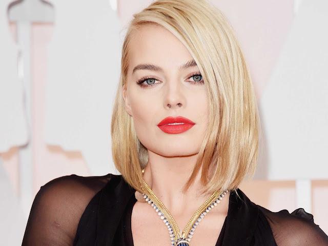 شقراء هوليود Margot Robbie
