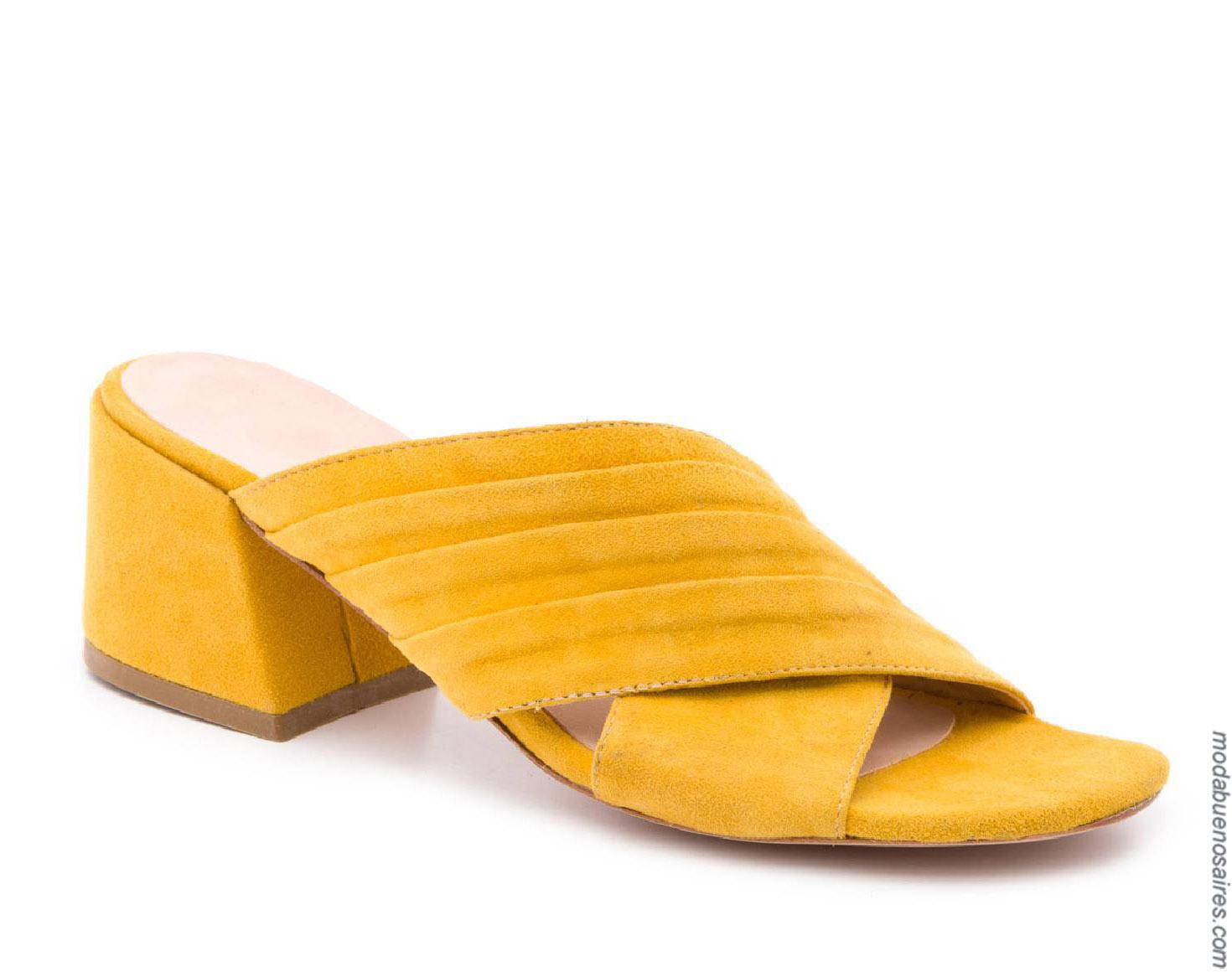 Moda sandalias primavera verano 2020. Moda mujer primavera verano 2020.