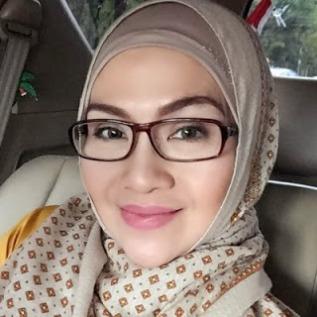 Biodata Lulu Zakaria Pemeran ibunya Gunawan