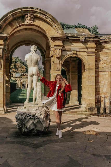 Hever castle fashion blog photoshoot