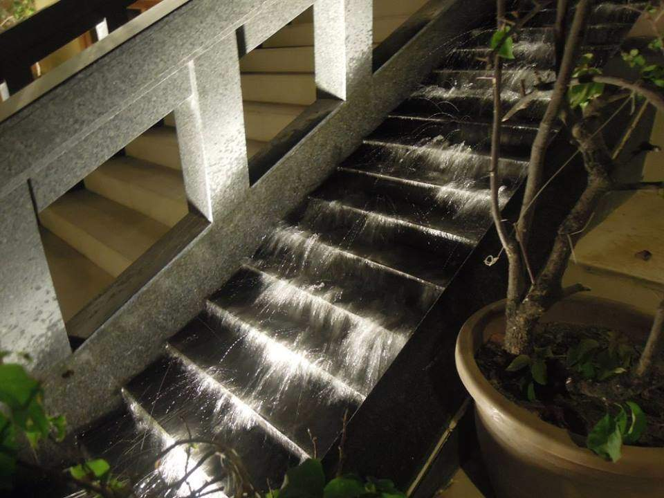 Boracay Regency Hotel (Henann Regency Resort and Spa) fountain and stairs