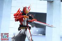 S.H. Figuarts Kamen Rider Saber Brave Dragon 25