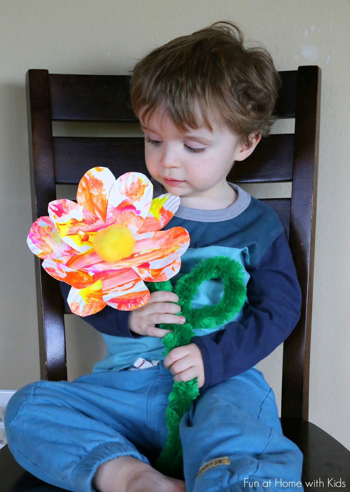 Easy Toddler Art Giant Spring Flowers