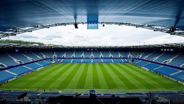 Francia mantiene límite de 5.000 personas en estadios