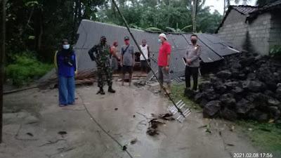 Akibat Angin Puting Beliung, Puluhan Rumah Warga di Lamtim Rusak Parah