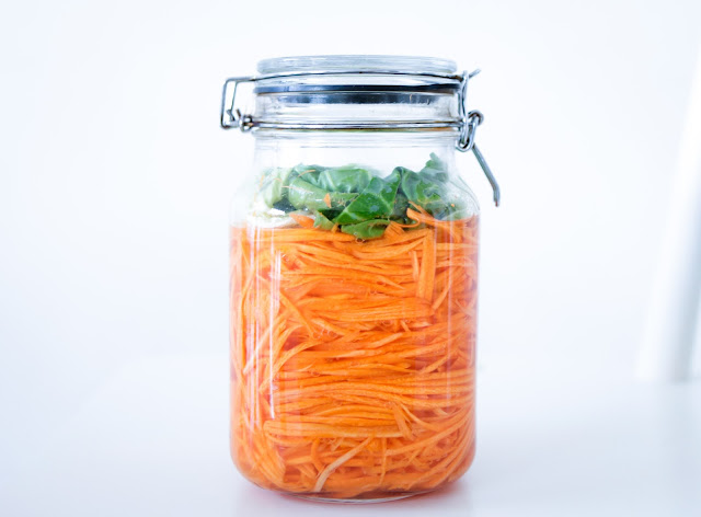 Vietnamese Pickled Carrots (Đo Chua) - Naturally Fermented