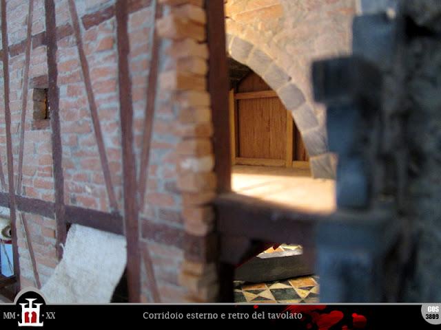 Corridoio esterno e retro del tavolato