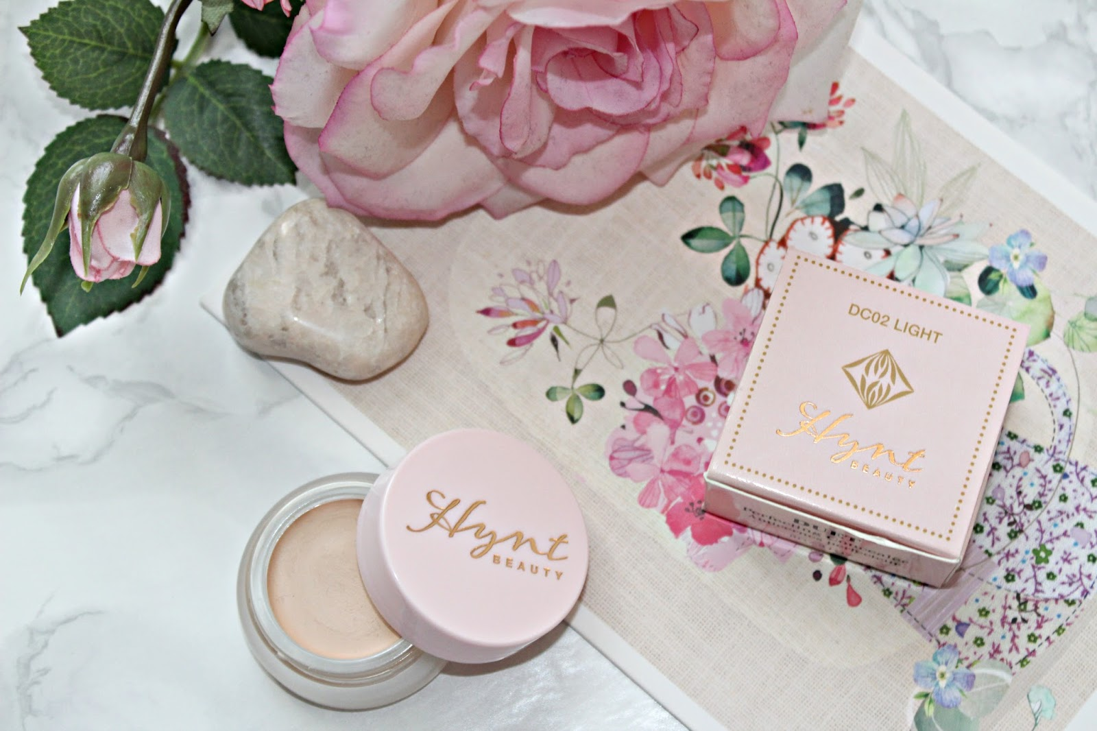 New in hynt beauty duet perfecting concealer review ana goes new in hynt beauty duet perfecting concealer review izmirmasajfo