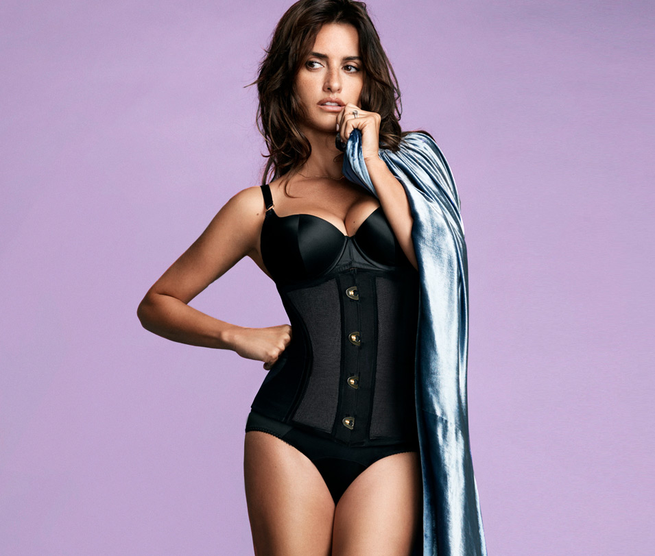 Penelope cruz lingerie — photo 12