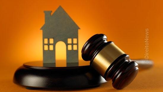 admissivel penhora bem familia fiador contrato