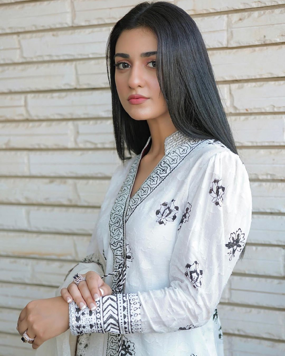 Sarah Khan New Random and Naturally Beautiful Pictures