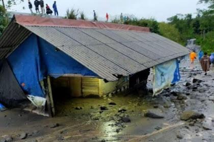 Banjir Lahar Gunung Semeru Terjang Warung Makan Milik Warga Lumajang
