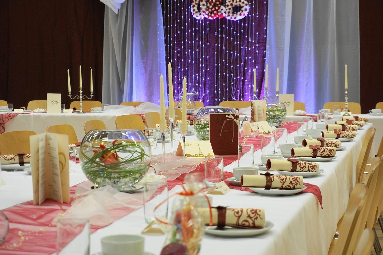 Czego nie możemy robić na weselu? Czego nie zakładać na wesele?