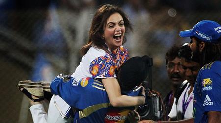 महंगी चीजें खरीदने की शौकीन नीता अंबानी, IPL में एक खिलाड़ी नहीं खरीद पाईं | SPORTS NEWS