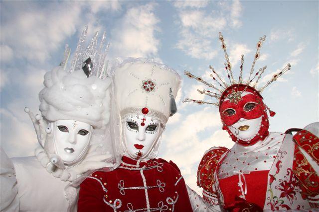 File:Carnival Venice.jpg