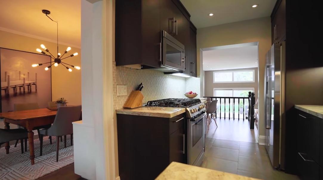 25 Interior Design Photos vs. 296 Manor Rd E, Toronto, ON Home Tour