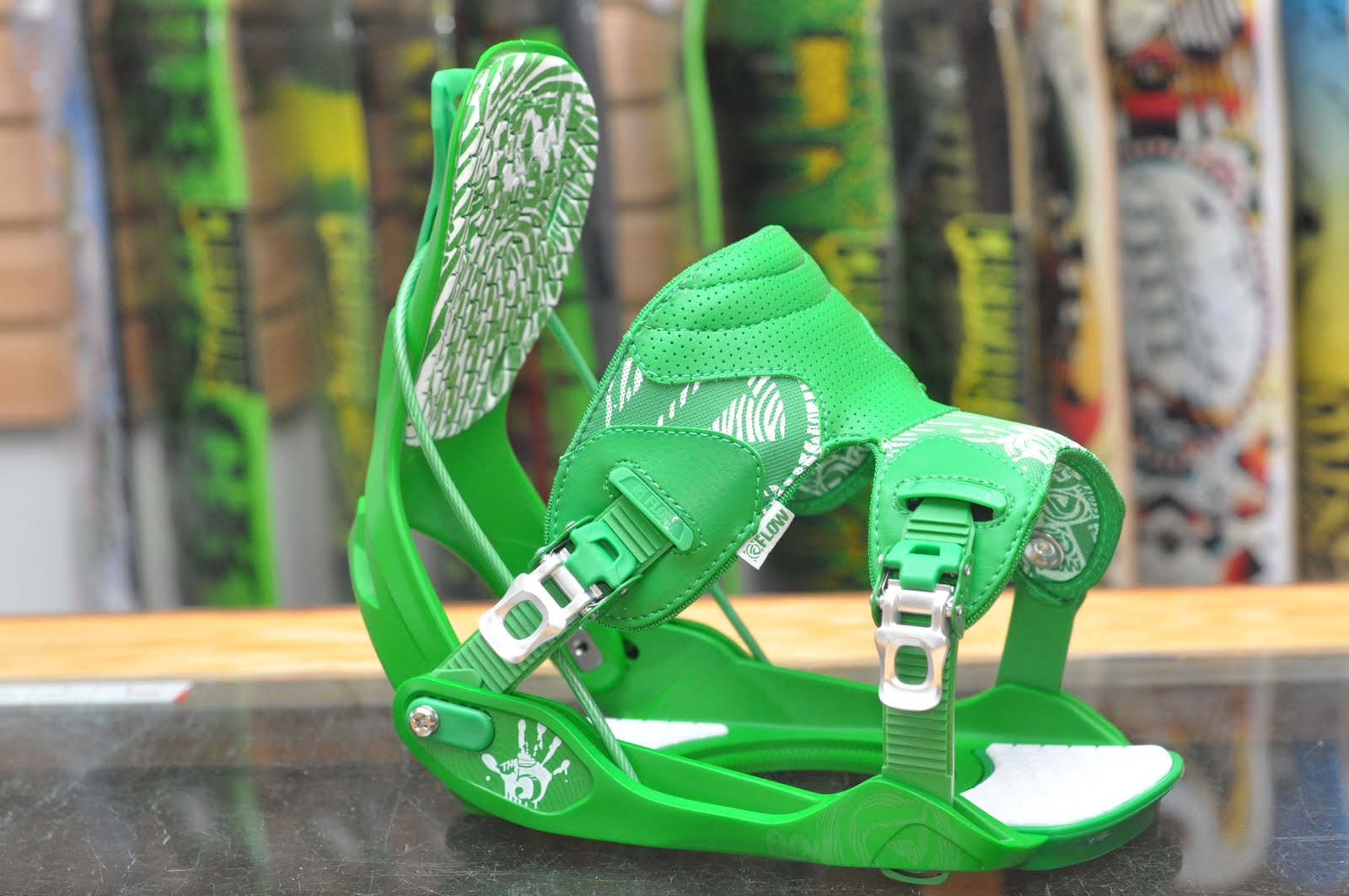 f9f53bffcd Alpine Ski Shop Daily Drops: Flow the Five Binding in Green 2012