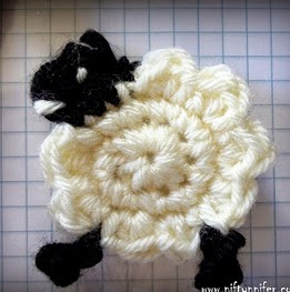 http://translate.googleusercontent.com/translate_c?depth=1&hl=es&rurl=translate.google.es&sl=en&tl=es&u=http://www.niftynnifer.com/2014/03/free-sheep-ewe-motif-crochet-pattern-by.html&usg=ALkJrhjnuy0NZMQENdB0hmQr3VOi8qpHMQ