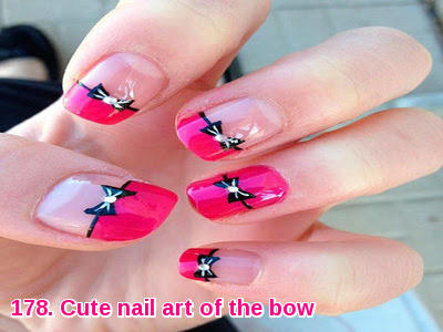 Cute nail art of the bow