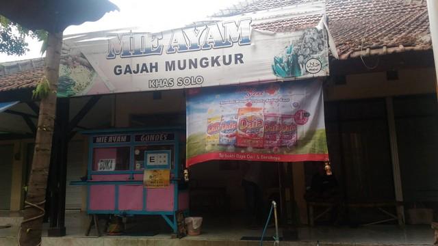 Mie Ayam Gajah Mungkur - Rest Area Tongas Probolinggo