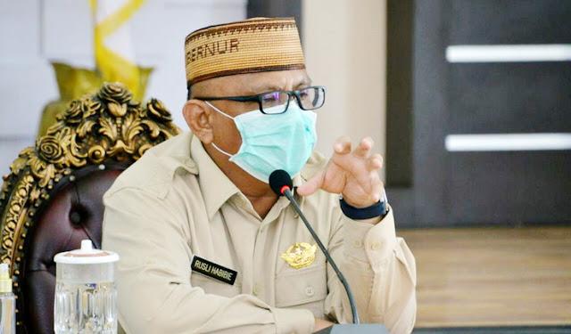 Gubernur Ini Sumbangkan Gajinya Sampai 2022 untuk Warga Miskin di Tengah Pandemi Corona